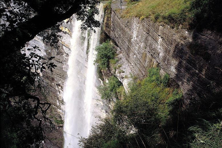 Hiking Waterfall Route - Guided routes in Basque Country