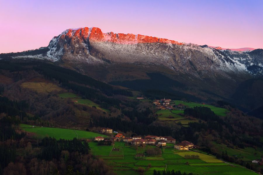 Gorbeia views at sunset - Basque Country Guided Routes