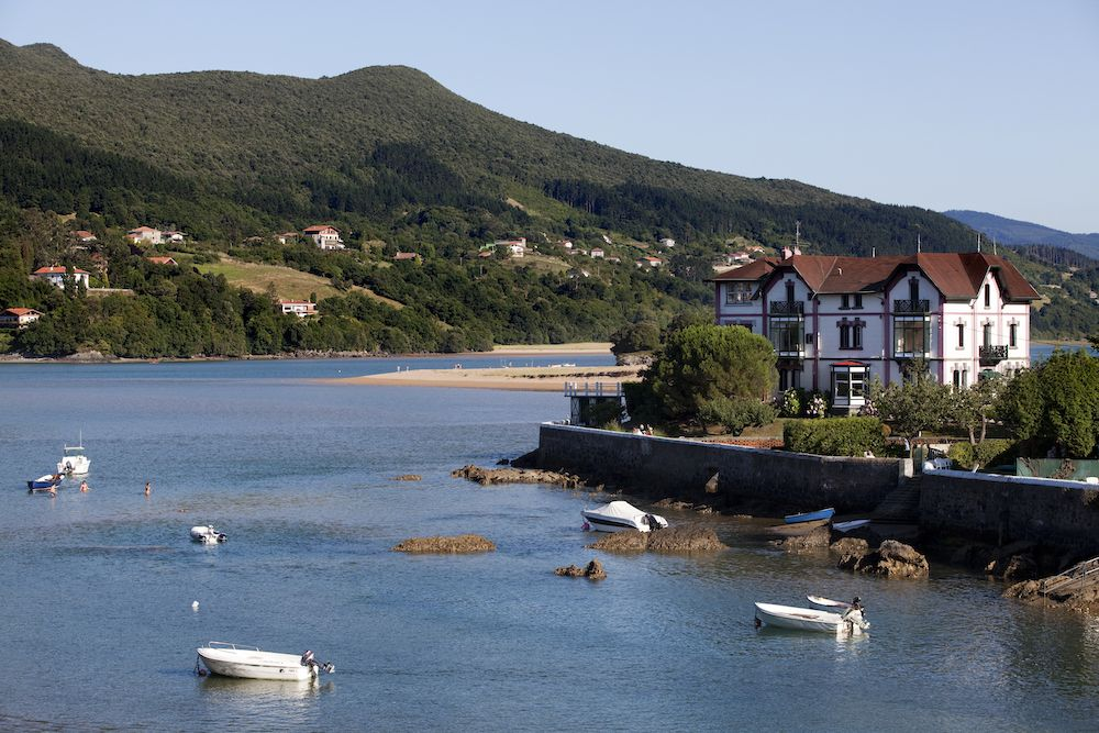 8 Days -A Summer Trip Discovering the Basque Country